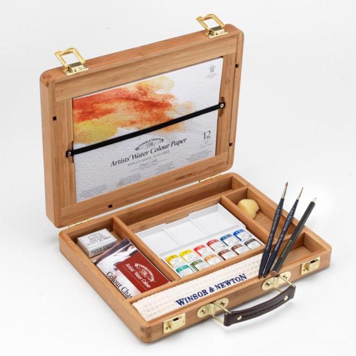 """Набор акварельных красок """"Artist"""" от """"Winsor&Newton"""" в маленьких кюветах в бамбуковой коробке"""